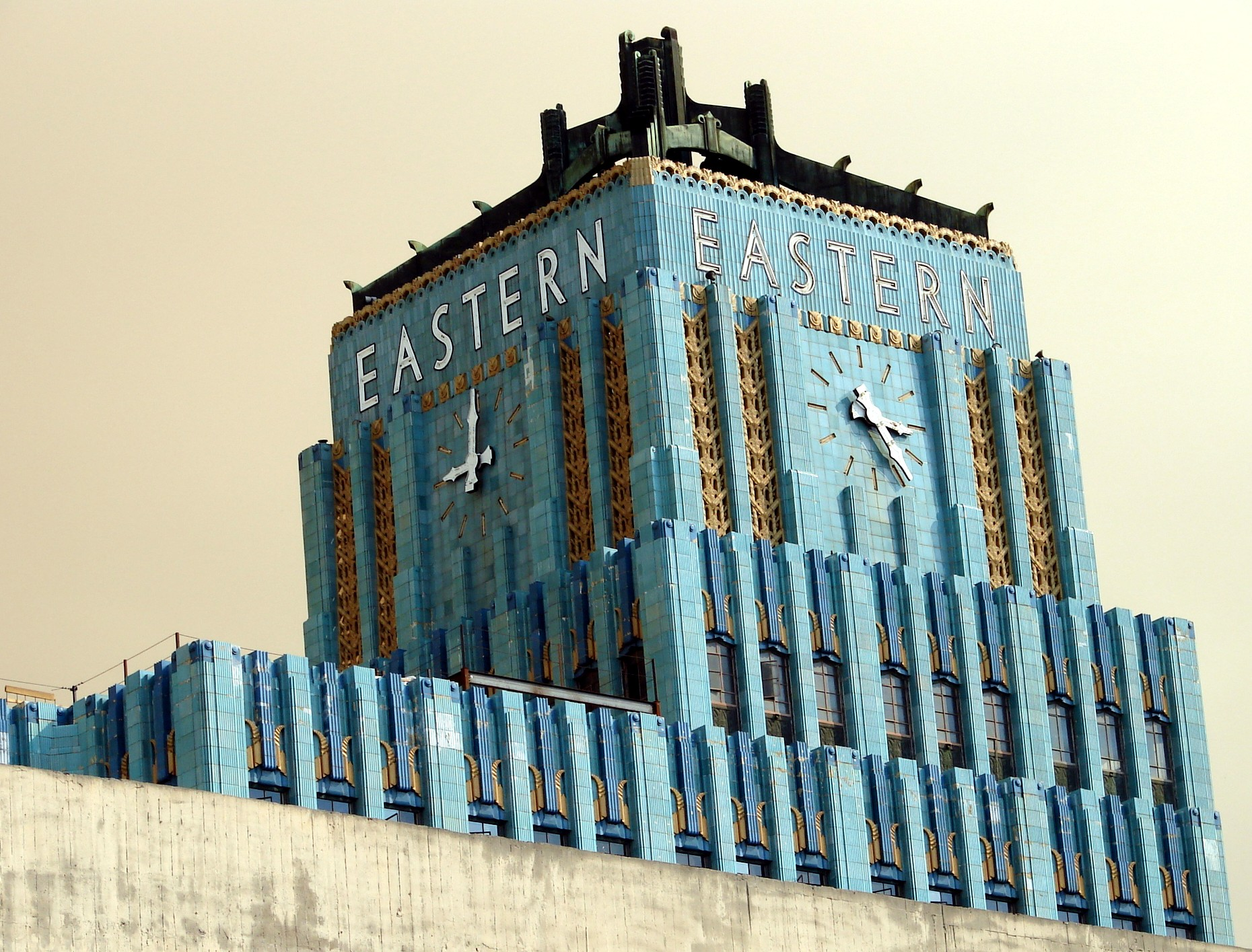 Glazed Terra Cotta Restoration and Repair for Eastern Columbia Building
