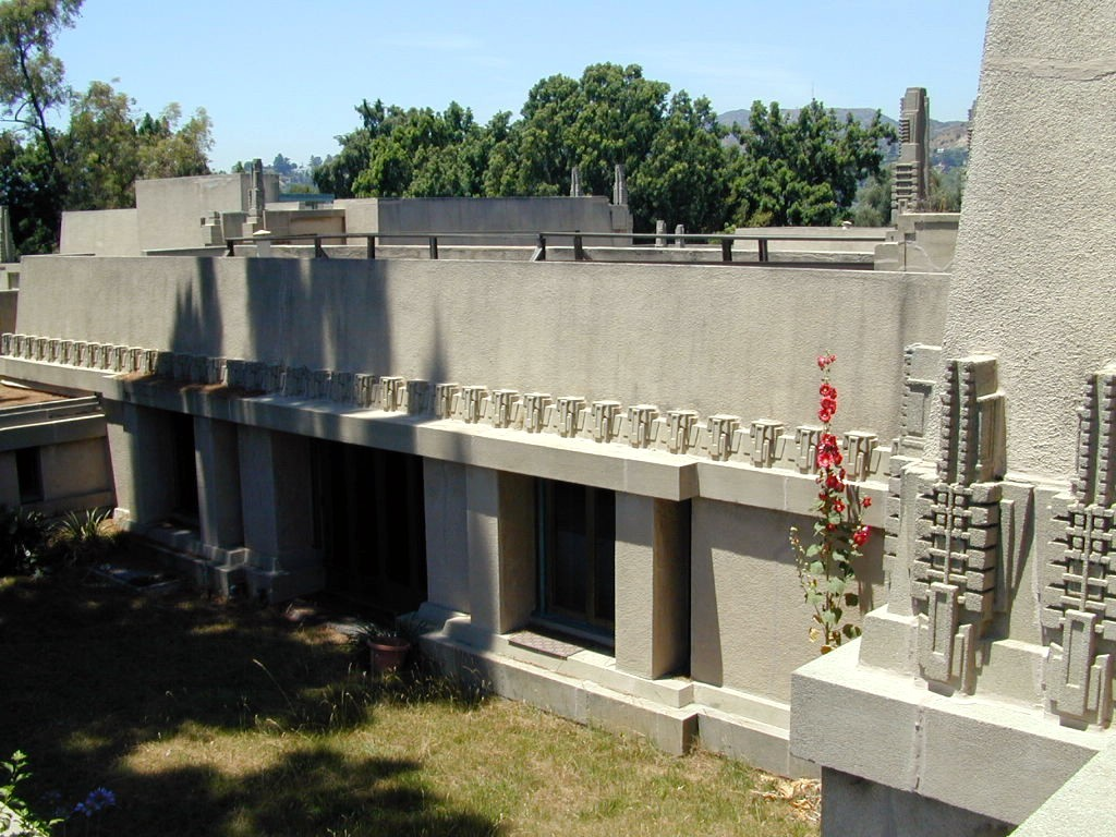 Decorative Cast Stone Preservation for Hollyhock House